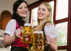 germans-celebrating-beer