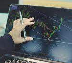 Technical or fundamental: What's the best analysis way?